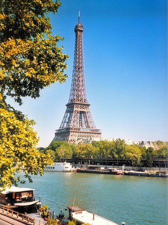 tour-eiffel-french-moments
